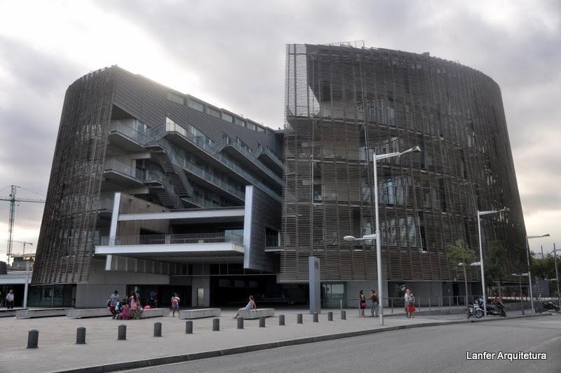 Parc Reserca Biomèdica Barcelona – Manel Brullet E Albert De Pineda